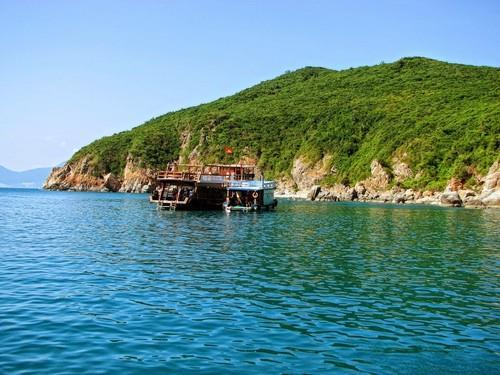 Image result for hòn một nha trang