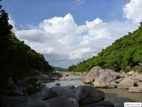 Hầm Hô - Bình Định
