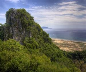 Marble mountains and Non Nuoc village