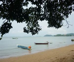 Khu du lịch Hòn Phụ Tử - biển Bãi Dương êm dịu