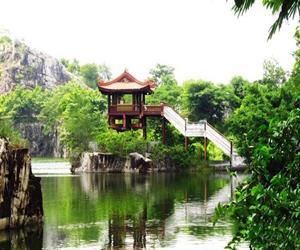 Chùa một cột trên hồ Ông Thoại An Giang