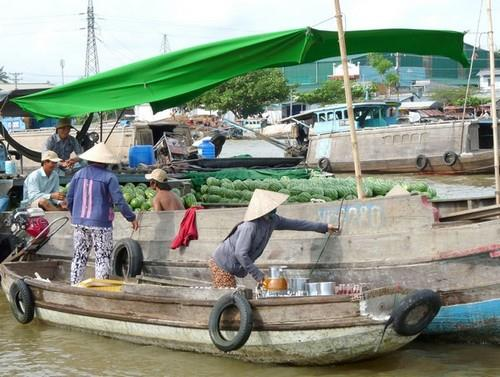 A small boat selling drinks