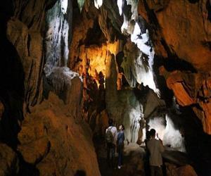 Di tích hang Pác Bó (hang Cốc Bó)