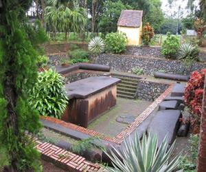 Mộ cổ Hàng Gòn