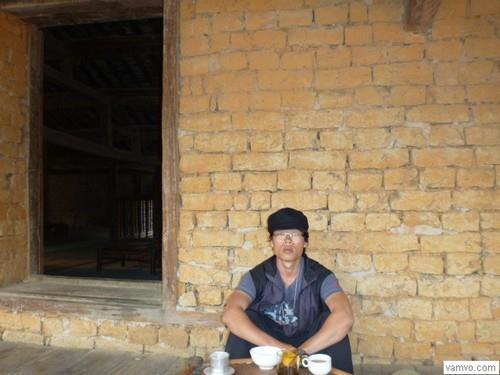 Duy Lang ở cafe phố cổ Đồng Văn