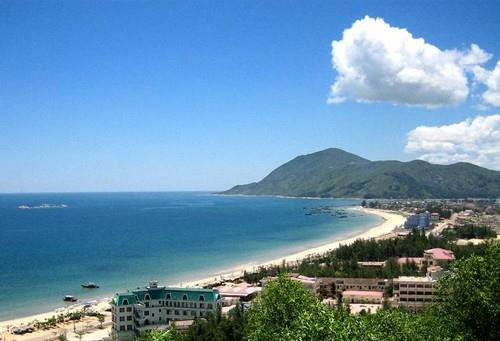 Bãi biển Thiên Cầm