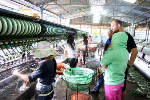 The silk weaving factory in Dalat