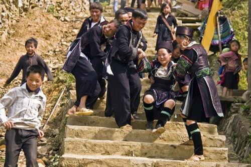 Tục kéo vợ của người H'Mông