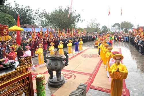 Lễ hội Đền Mẫu Âu Cơ - Hạ Hòa, Phú Thọ