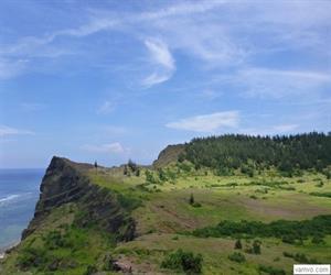 Chùa Đục và miệng núi lửa