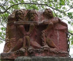 Nhà tù Lao Bảo