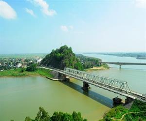 Cầu Hàm Rồng - Núi Ngọc
