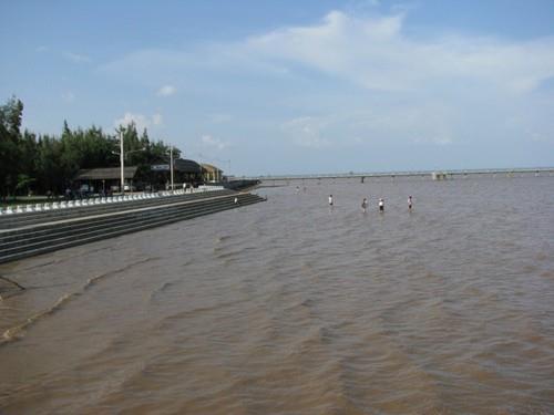 Bãi biển Tân Thành