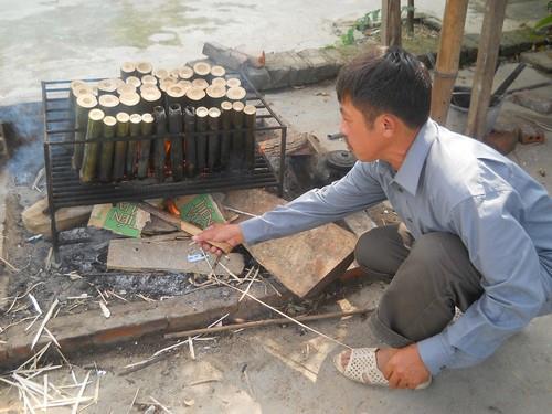 Đốt cơm lam - Suối khoáng Mỹ Lâm