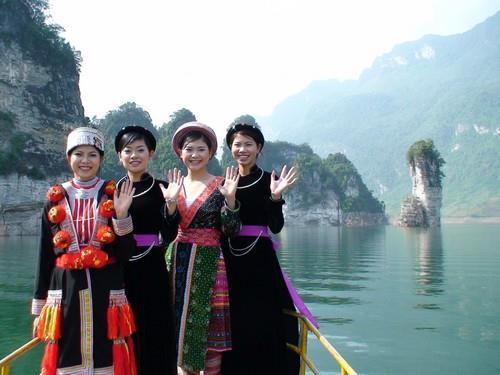 Du lịch Tuyên Quang