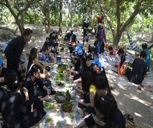 Cù lao An Bình - ngồi ăn trong vườn