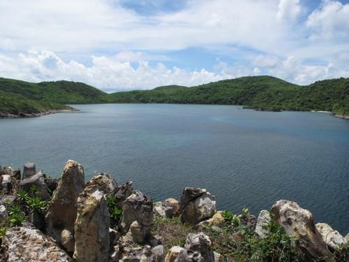 Vịnh Đầm Tre - Côn Đảo