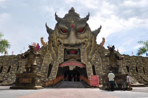 Mê cung ở Lạc cảnh Đại Nam Văn Hiến tỉnh Bình Dương