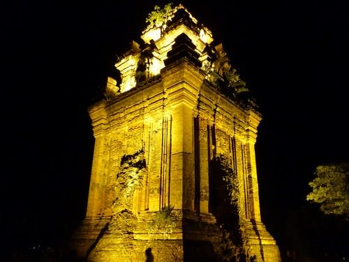 Tháp Nhạn Tuy Hòa