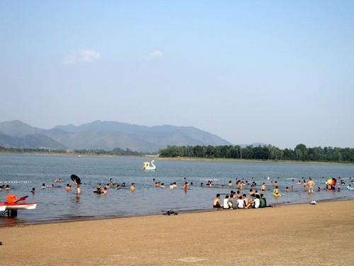 Khu du lịch Hồ Đại Lải hút khách ngày nắng nóng
