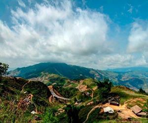 Đèo Pha Đin - bản làng heo hút
